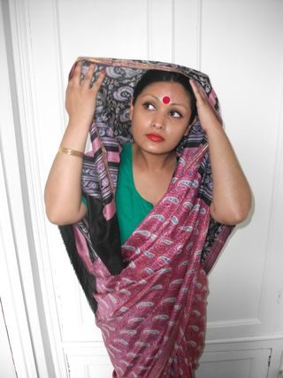 South Asian, Sari, Hindu, bindi